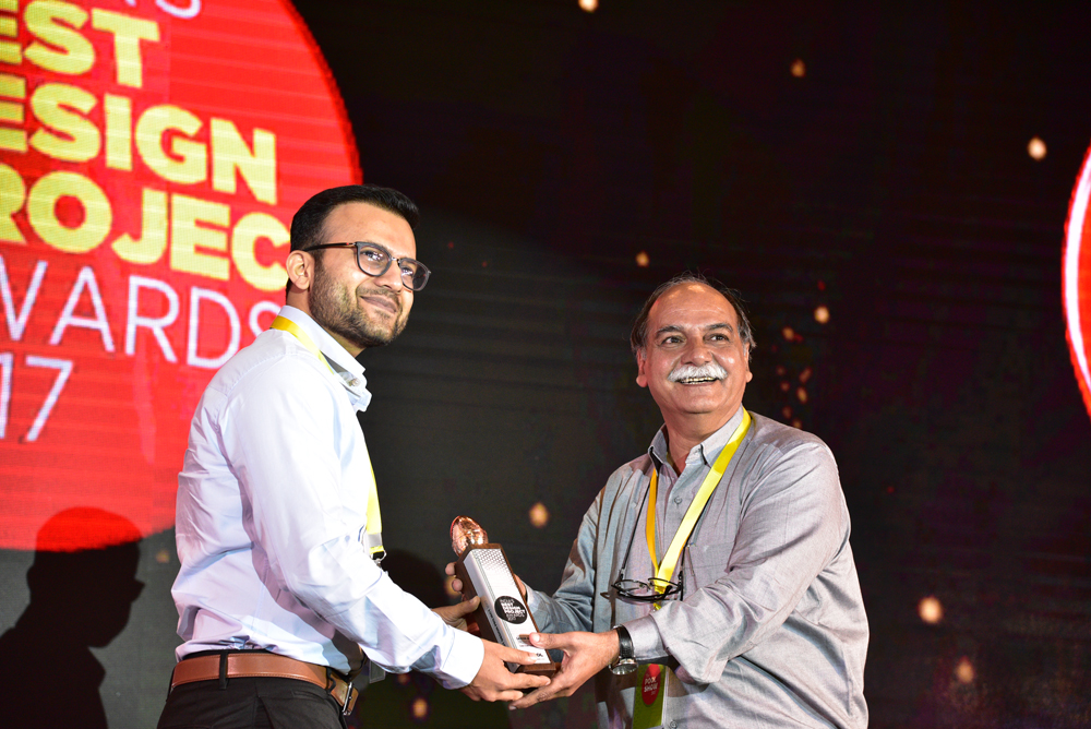 CodeCraft Technologies receiving 'India's Best Design Project 2017' Award from Anil Sinha