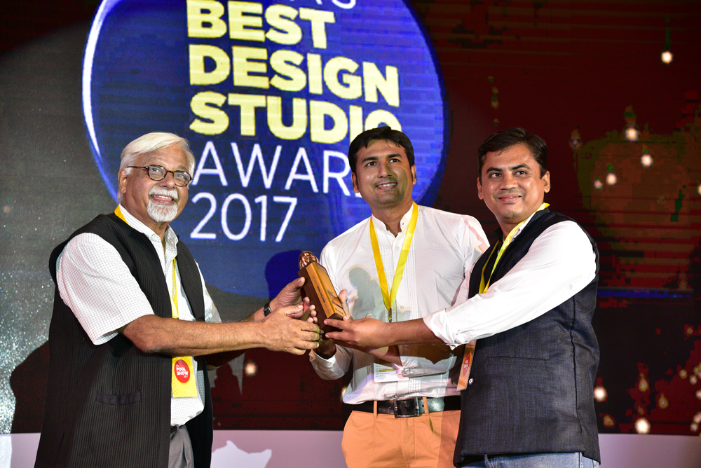 UDLab receiving 'India's Best Design studio 2017' Award from Vikas Satwalekar