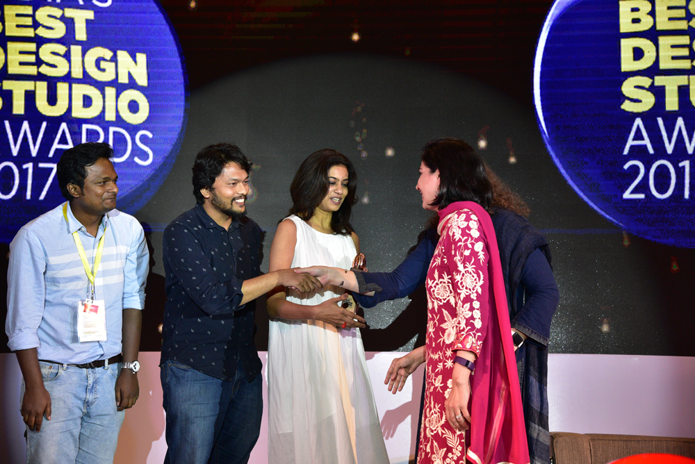 GCPL Studio receiving 'India's Best In-house Design Studio 2017' Award from Deepa Bajaj